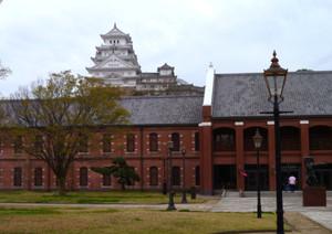 姫路市立美術館から望む姫路城 Himezi_castle00