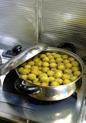 青梅の甘露煮 炊く Boil