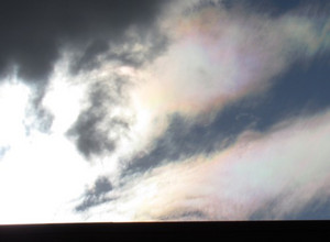 Iridescent_clouds01