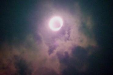 金環日食<br />Annular_eclipse_03