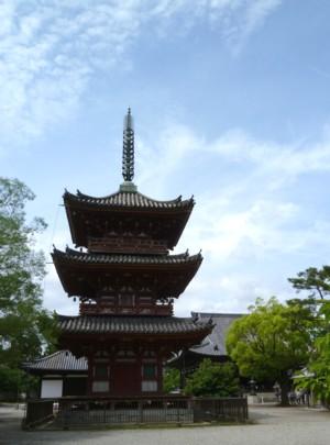 鶴林寺三重の塔
