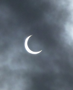 Annular_eclipse_02